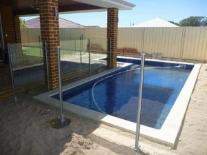 Glass fencing canberra